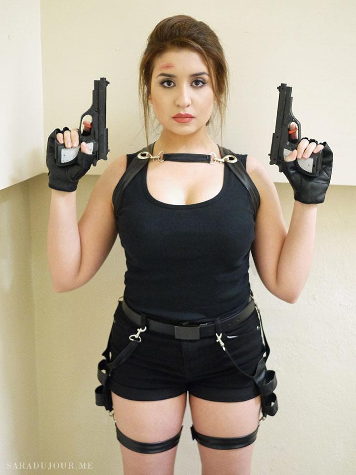 Lara Croft Tomb Raider Halloween Costume | Sara du Jour