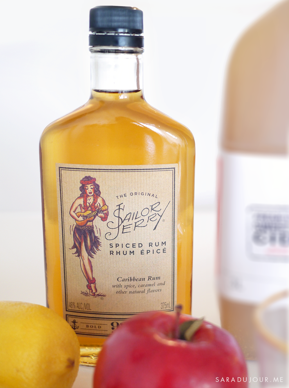 Here's what you'll need for the perfect spiced rum apple toddy ...