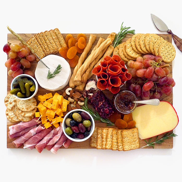 Holiday Hosting: The Charcuterie Cheese Board | Sara du Jour